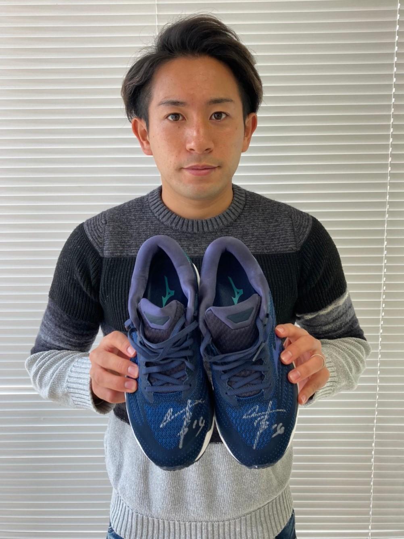 【公式】実使用・本人直筆サイン入「ランニングシューズ&Tシャツ」中川 寛斗