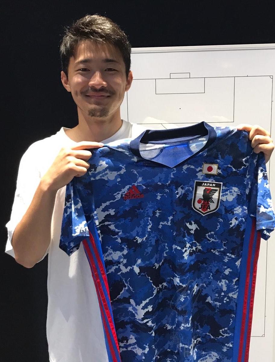 【直筆サイン入り公式】U-23日本代表 菅原 由勢 選手(AZアルクマール)