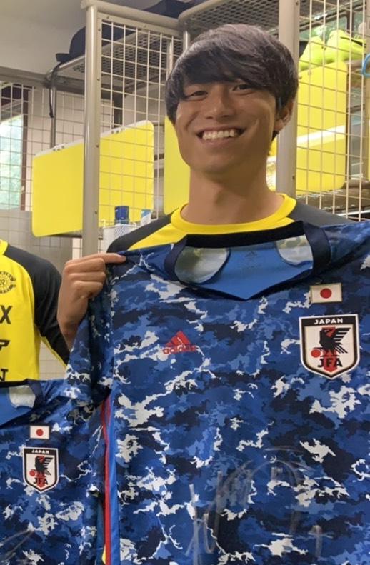 【直筆サイン入り公式】U-23日本代表 古賀 太陽 選手(柏レイソル)