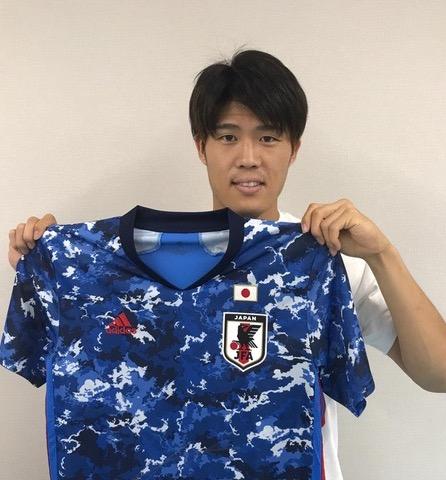【直筆サイン入り公式】U-23日本代表 冨安 健洋 選手(ボローニャFC)